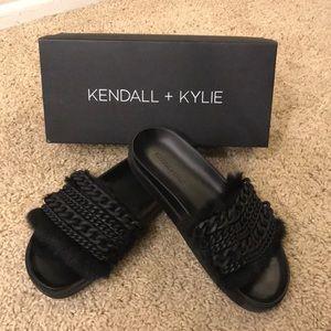 Kendall + Kylie Sammy Black Fur Slide